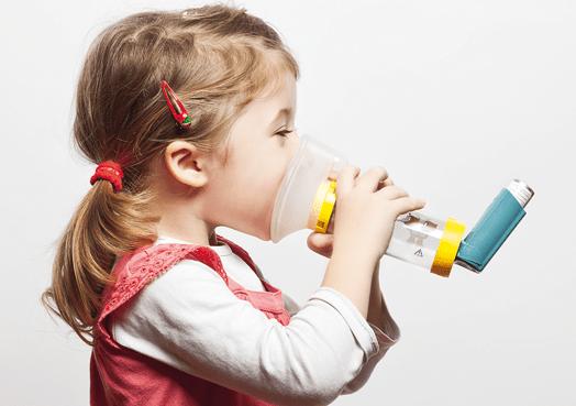 asthme_enfant_fotolia