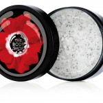 Floral On aime : les graines de pavot pour un shoot exfoliant. Gommage smoky poppy 