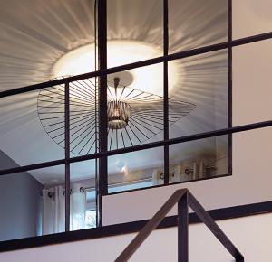 lampe Vertigo de Constance Guisset - Edith Magazine
