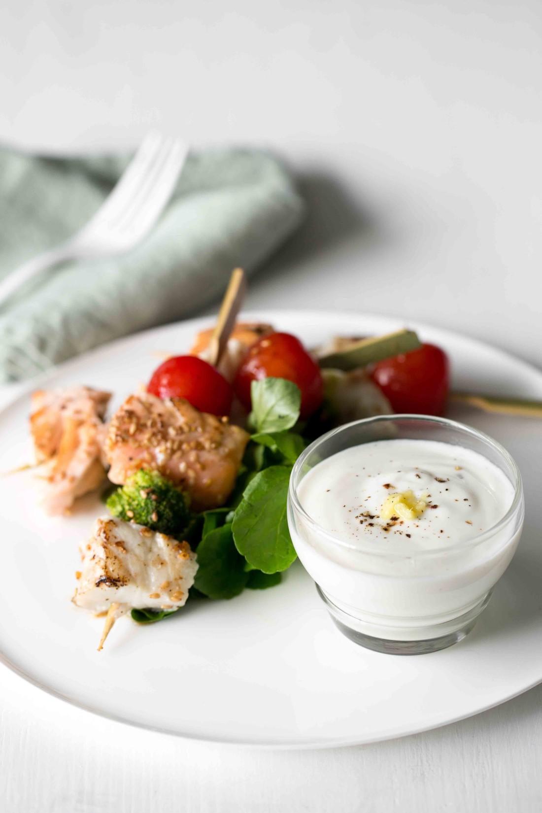 Brochette-de-poisson-sauce-au-yaourt-et-gingembre-EDITH